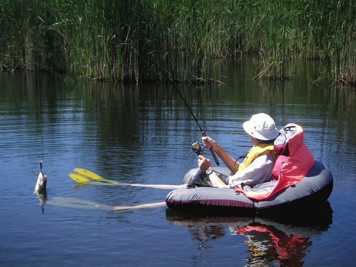 Float-Tube-For-Fishing-Lake